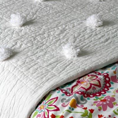 Easy No Sew Pom Pom Quilt