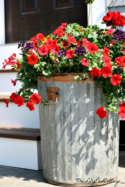 Garbage can flower planter www.thelilypadcottage.com