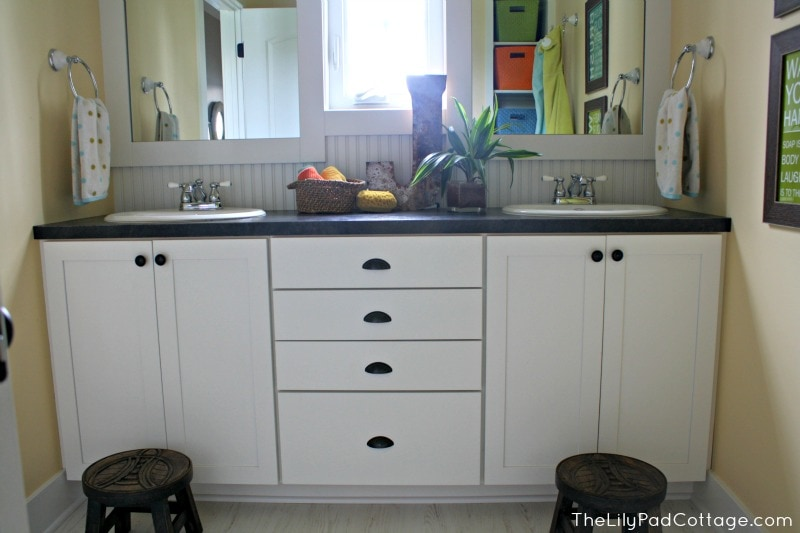 Kids Bathroom -www.thelilypadcottage.com