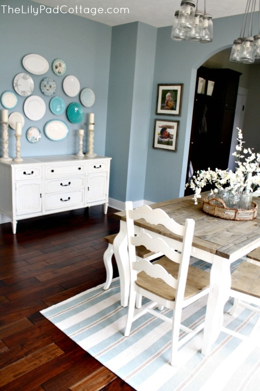 Dining area - www.thelilypadcottage.com