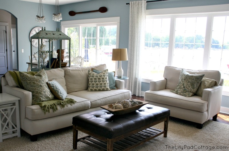 Santorini Blue by Benjamin Moore {Favorite Paint Colors - blue living room}