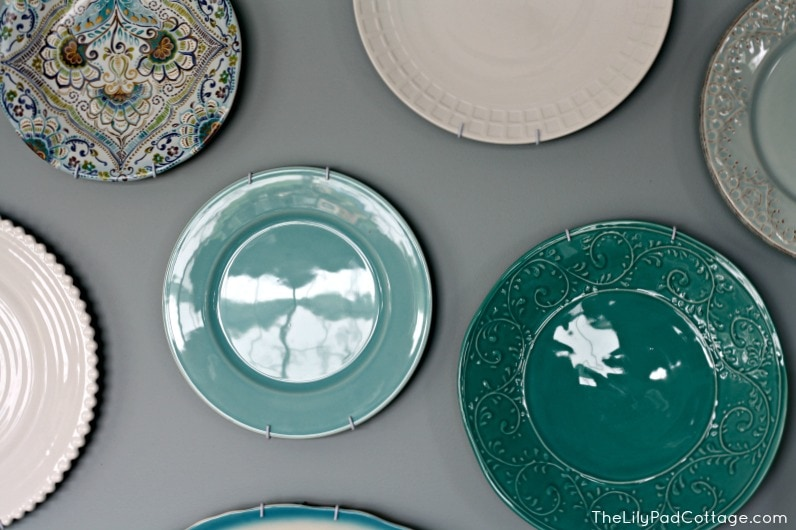 Hanging Plate Wall - www.thelilypadcottage.com