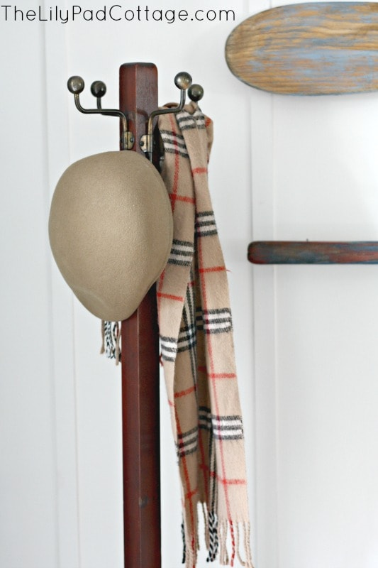 Vintage coat rack and entry decor ideas