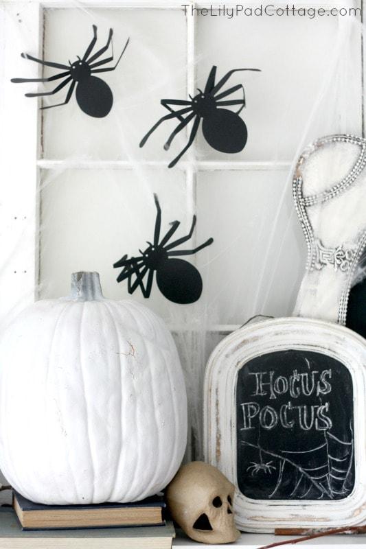 Spider Halloween Mantel