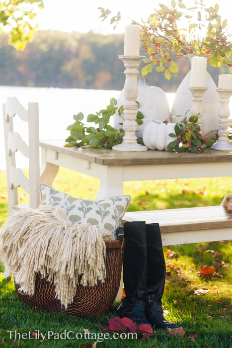 basket-boots-decor