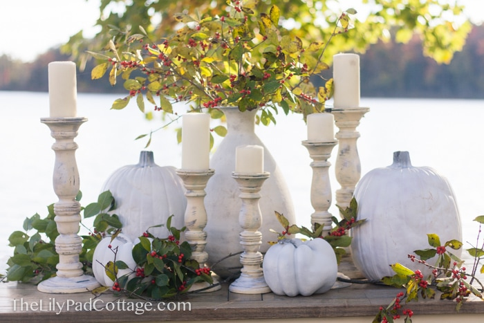 white-thanksgiving-table-decor
