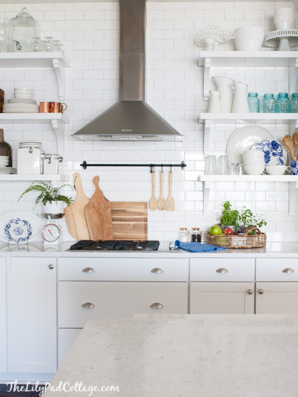 White Kitchen Decor