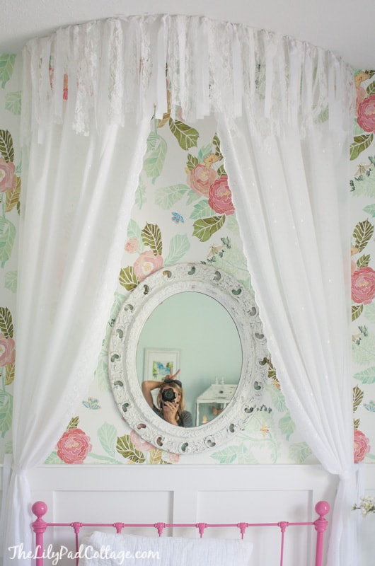 No Sew Bed Canopy - The Lilypad Cottage