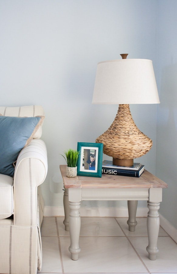 Coastal decor end table