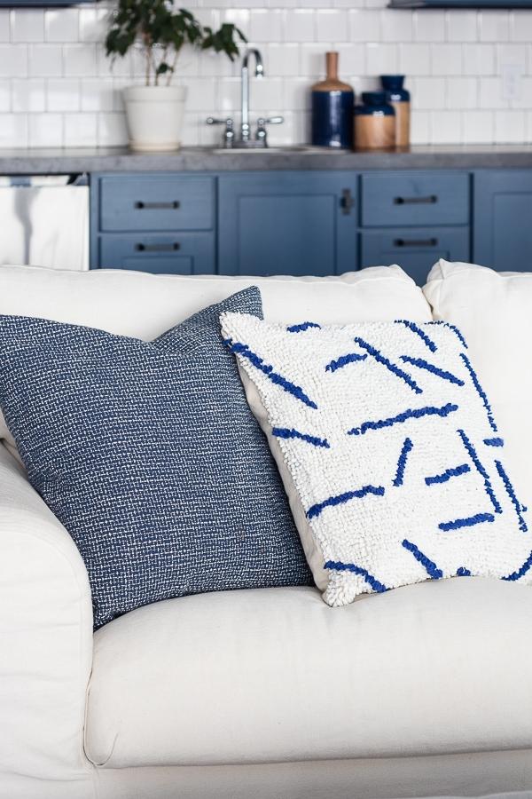 Lake House family room blue and white decor blue white throw pillows