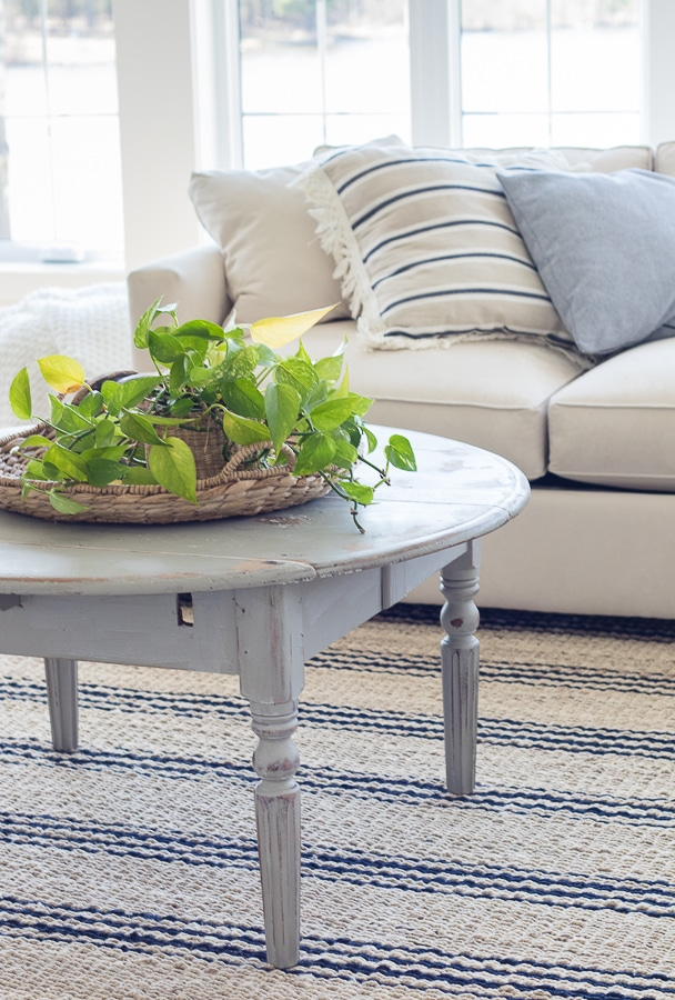 grey round coffee table