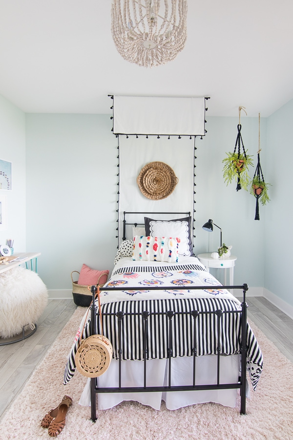 Tween girl boho bedroom canopy