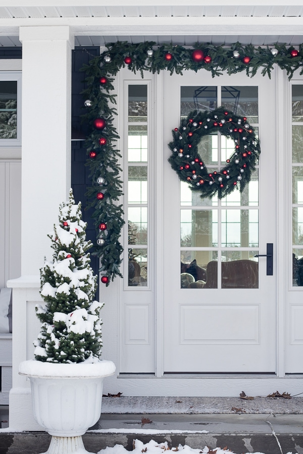 red christmas front porch ideas