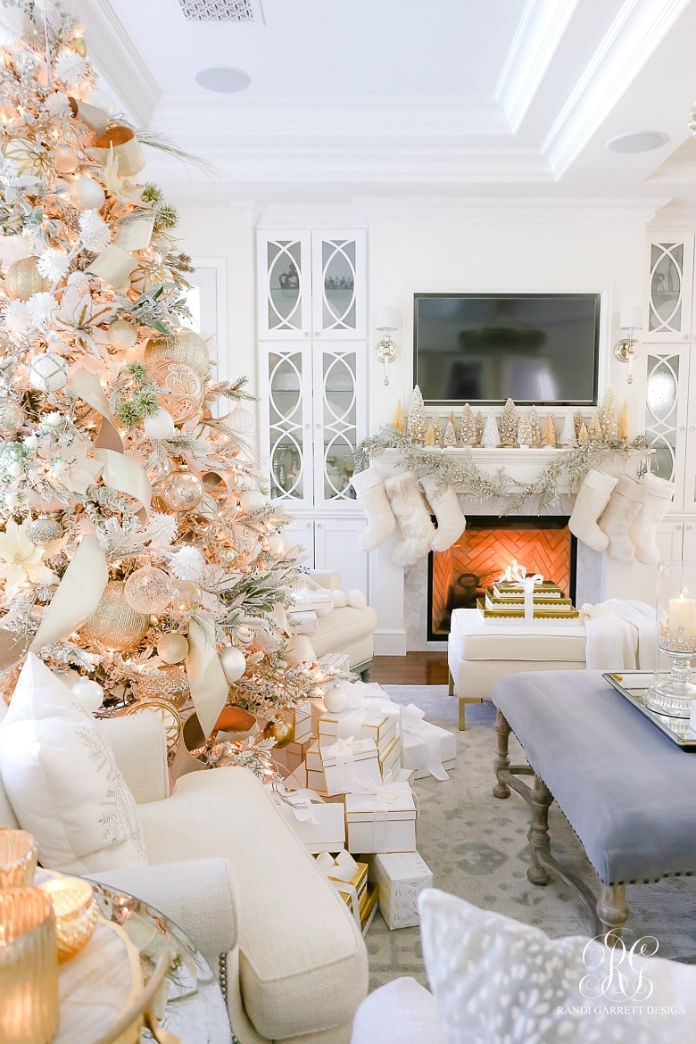 Silver and Grey Classic Christmas Tour - The Lilypad Cottage