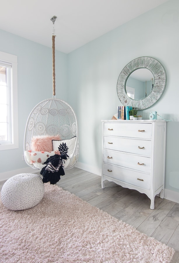 beachy white dresser with rope pull handles