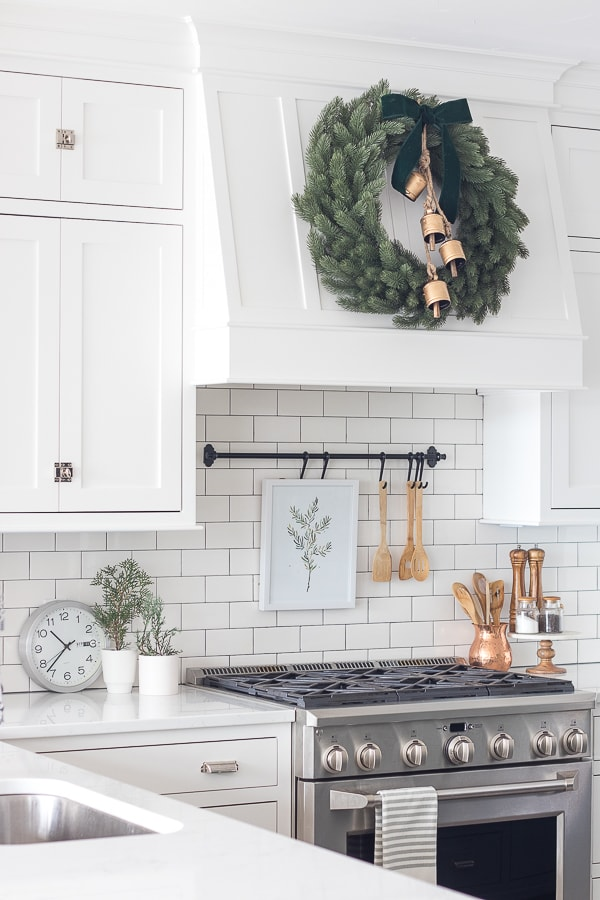 white kitchen christmas decor