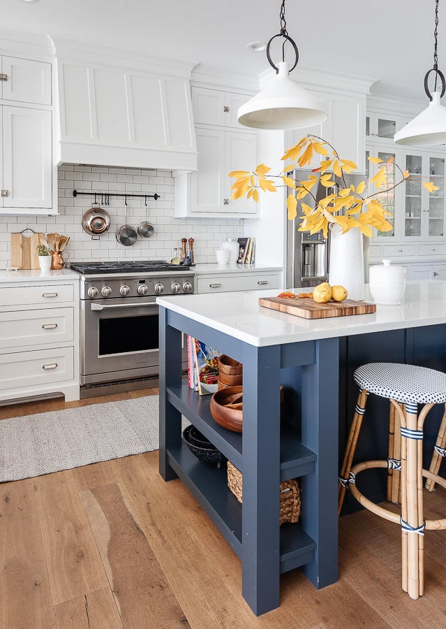 navy and white lake house kitchen