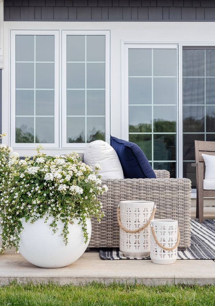 lake house outdoor furniture